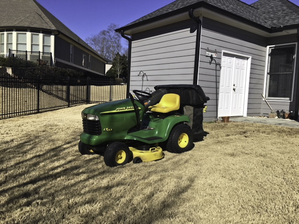 John Deere LT 155 Lawn Tractor with Bagging Attachment