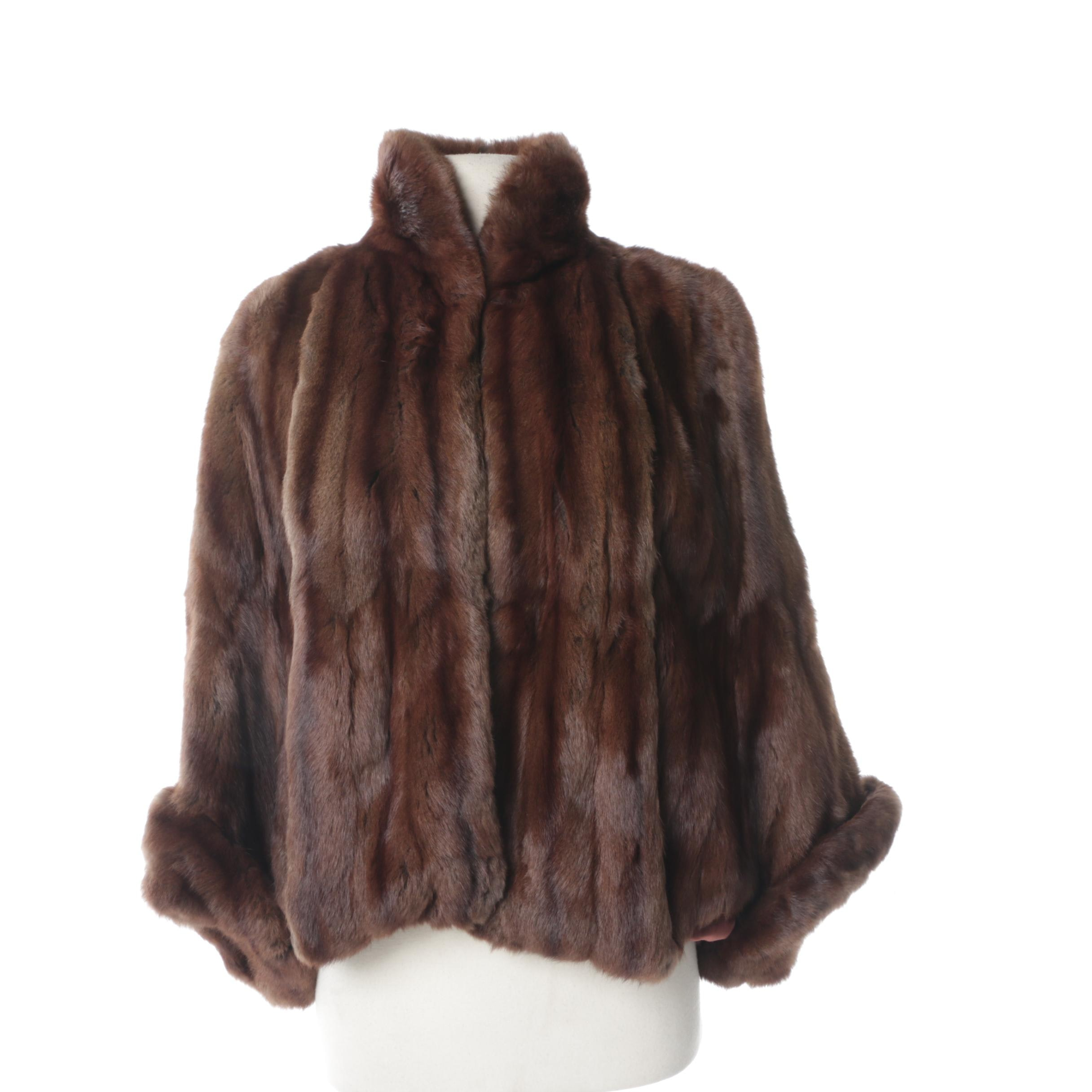 Women's 1970s Squirrel Fur Cape