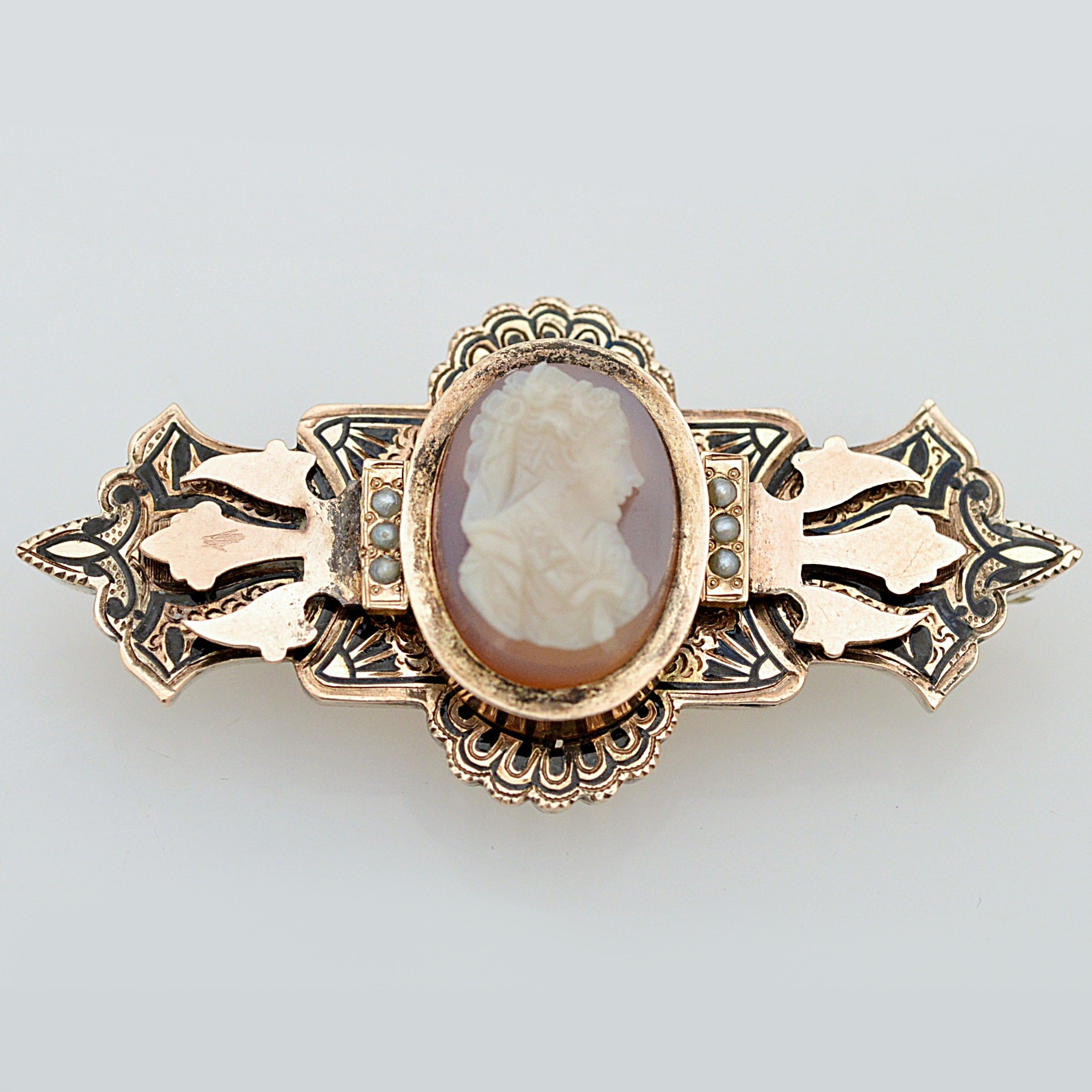 Victorian 10K Yellow Gold Agate Cameo Brooch with Seed Pearl Accents