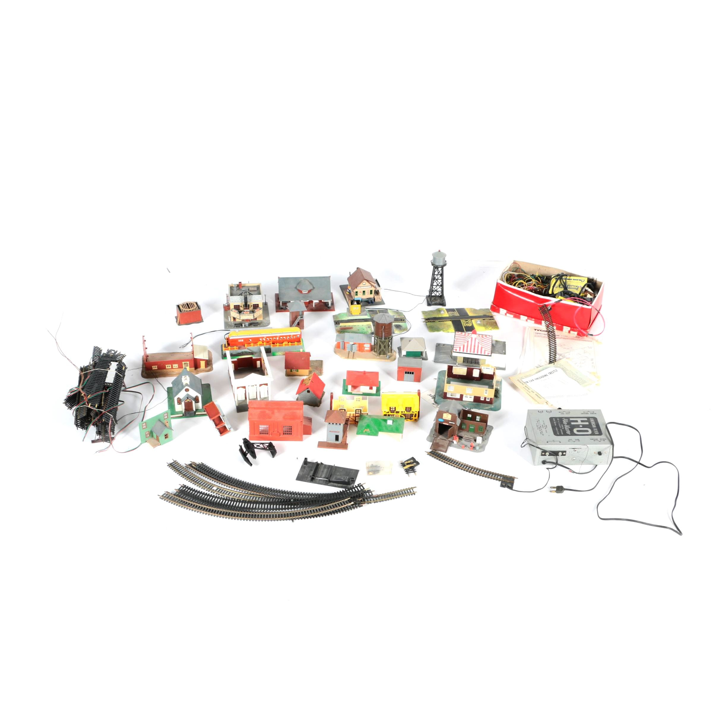 Train Accessories Including American Flyer Pike-Master Transformer