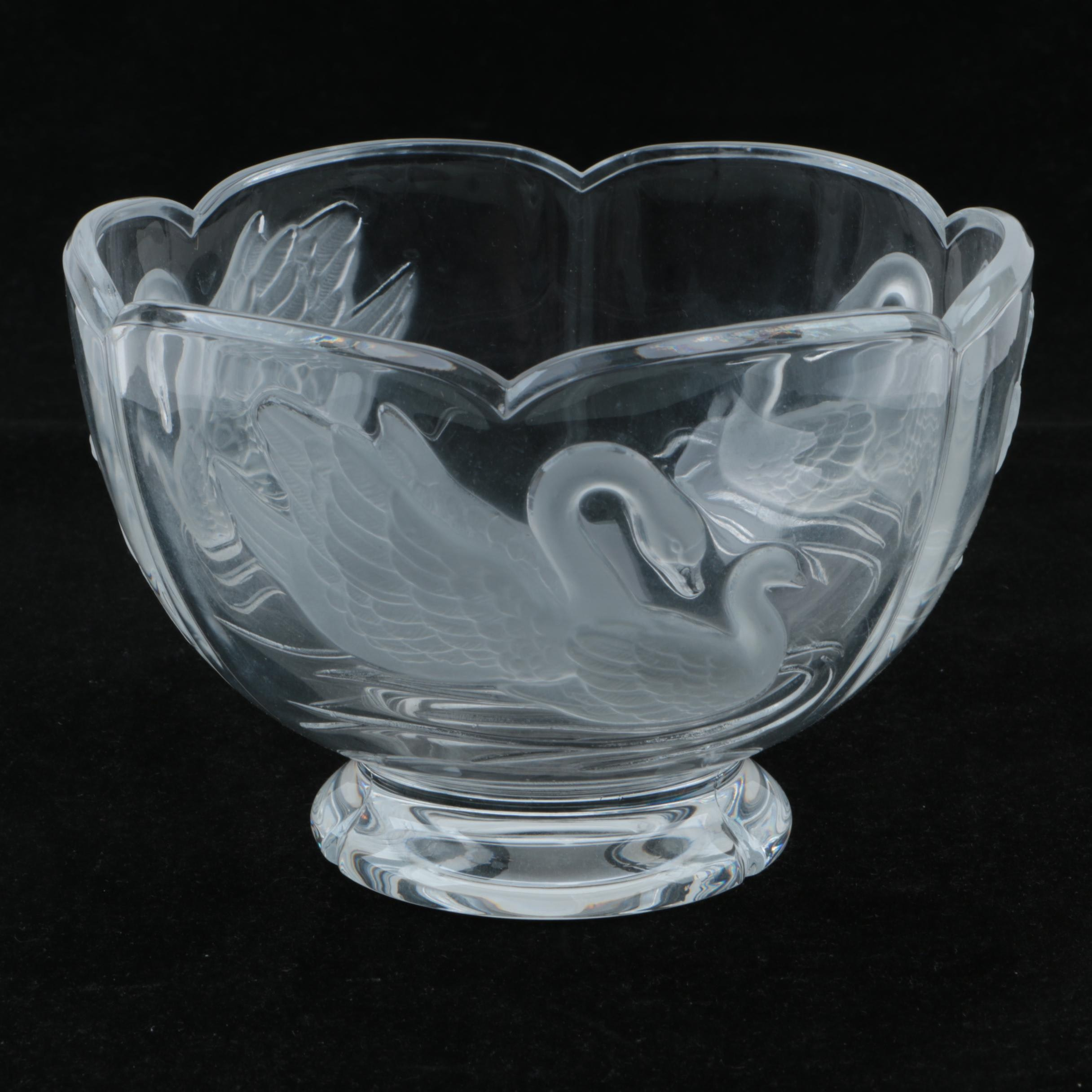 Frosted Crystal Swan Centerpiece Footed Bowl