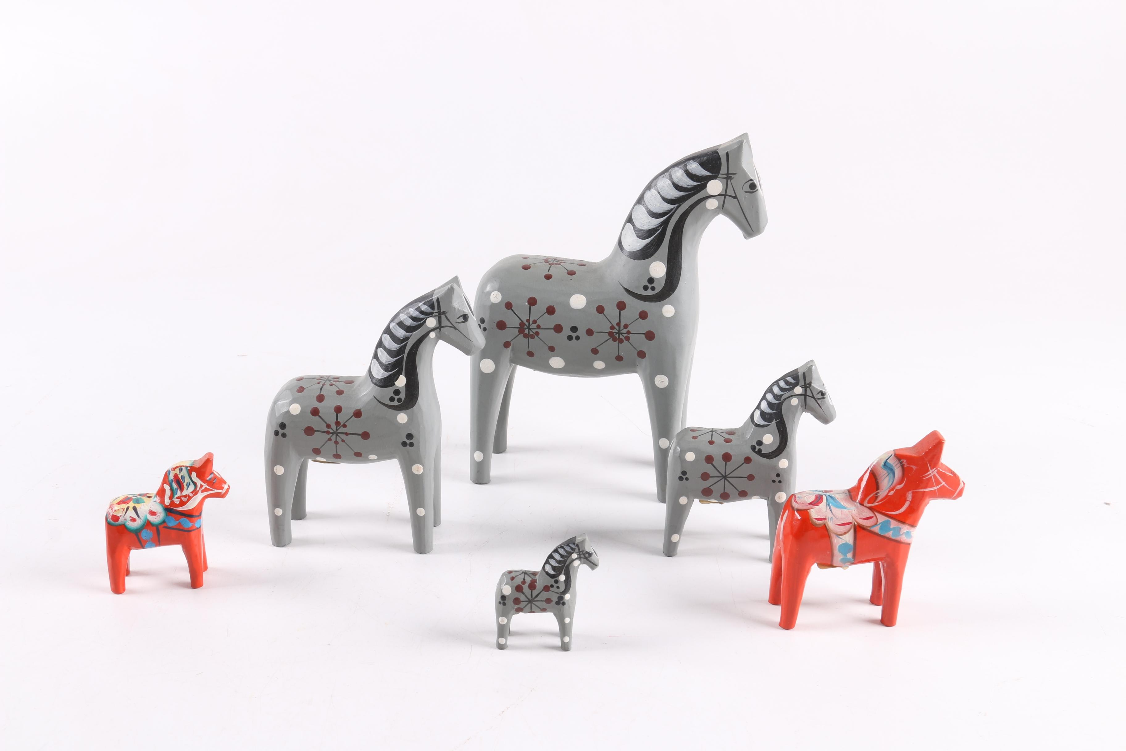 """Four and Two Red """"John Gudmunds"""" Dala Horses"""