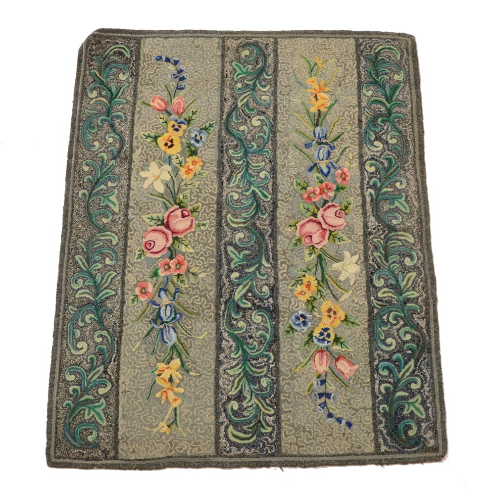 Contemporary Floral Hooked Area Rug