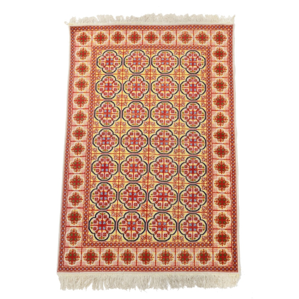 Hand-knotted Textured Silk Area Rug