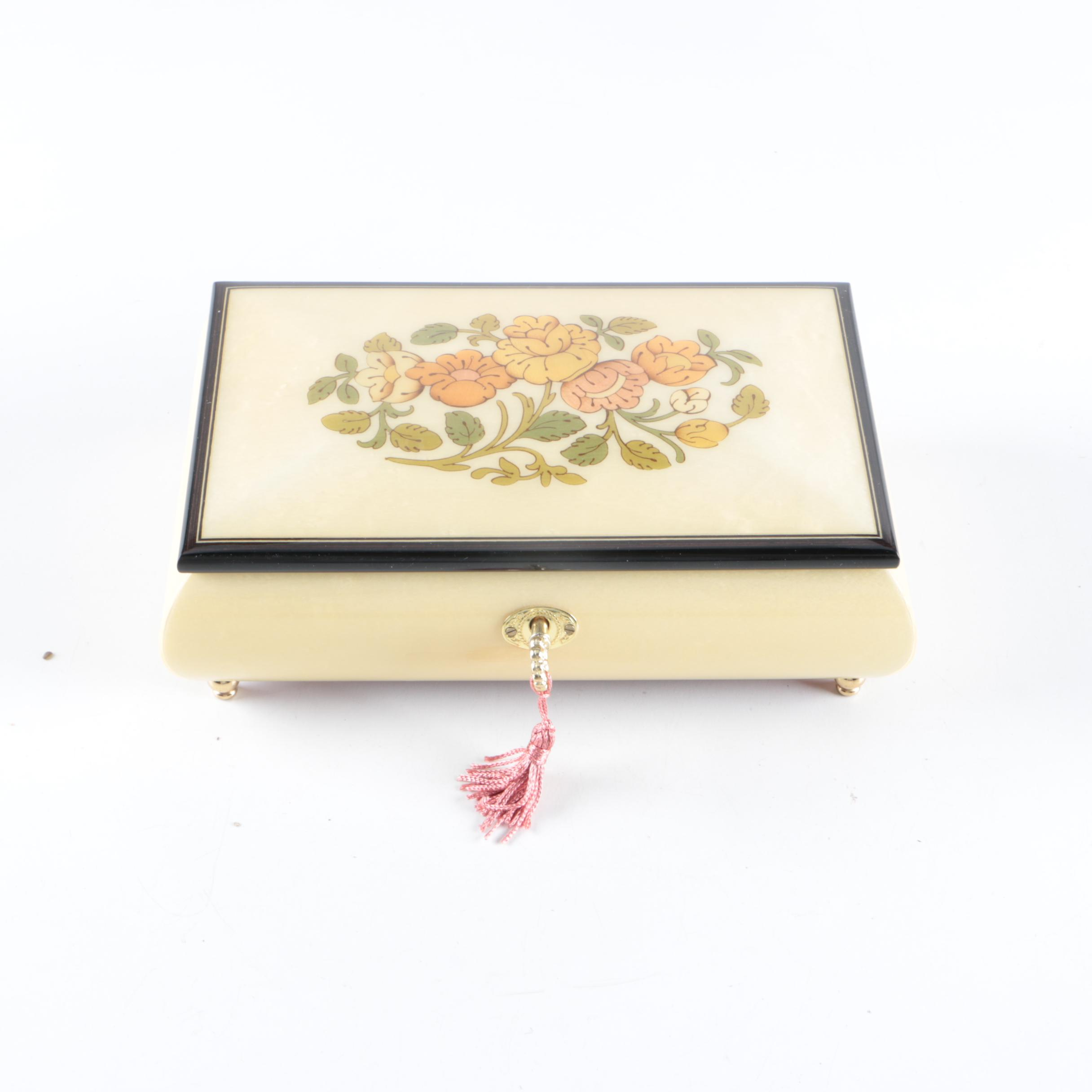 Musical Jewelry Box with Key EBTH