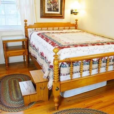 Willett Maple Full Size Bed and End Table With Step Stool