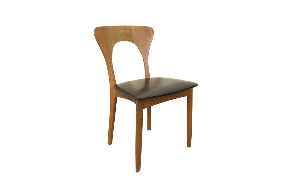 Mid Century Modern Style Teak Chair