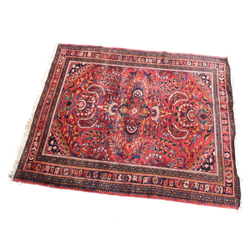 Fine Hand-Knotted Persian Sarouk Rug