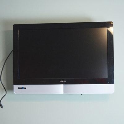 "Vizio 32"" Flat Panel HDTV Television"