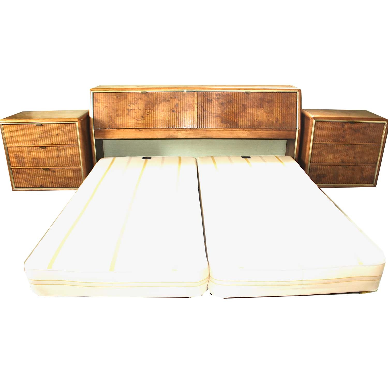 American of Martinsville King Headboard and Nightstands