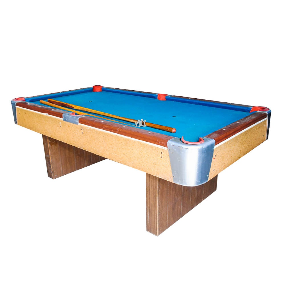 Exceptionnel Vintage Bar Style Pool Table And Accessories ...