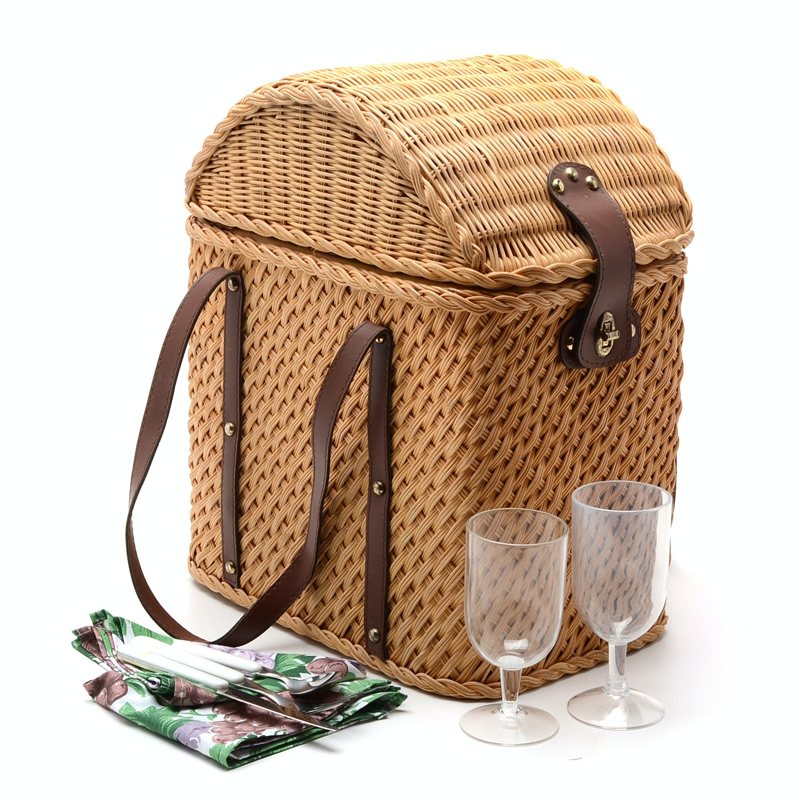 Fitted Wicker Picnic Basket