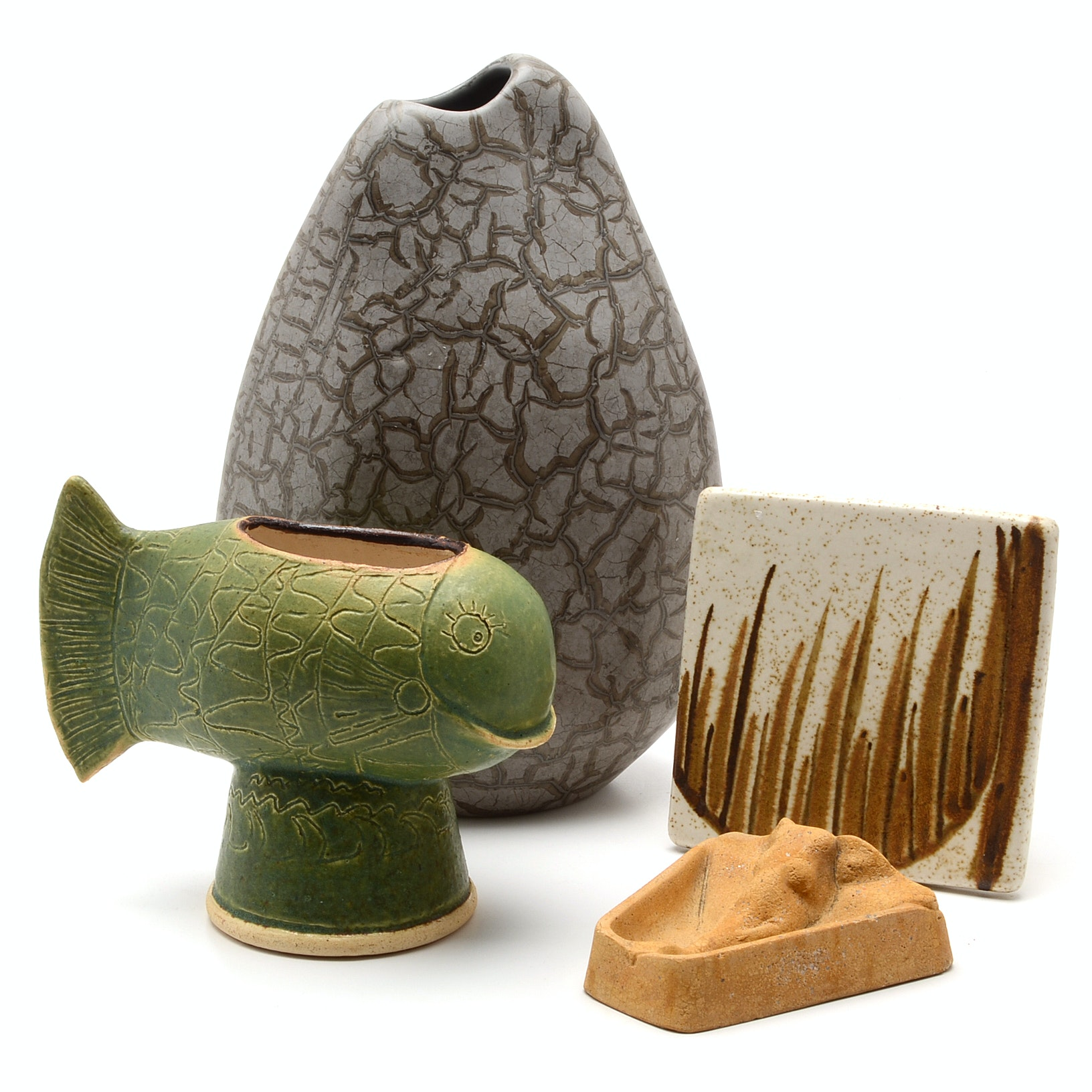 Grouping of Ceramic and Stoneware Items