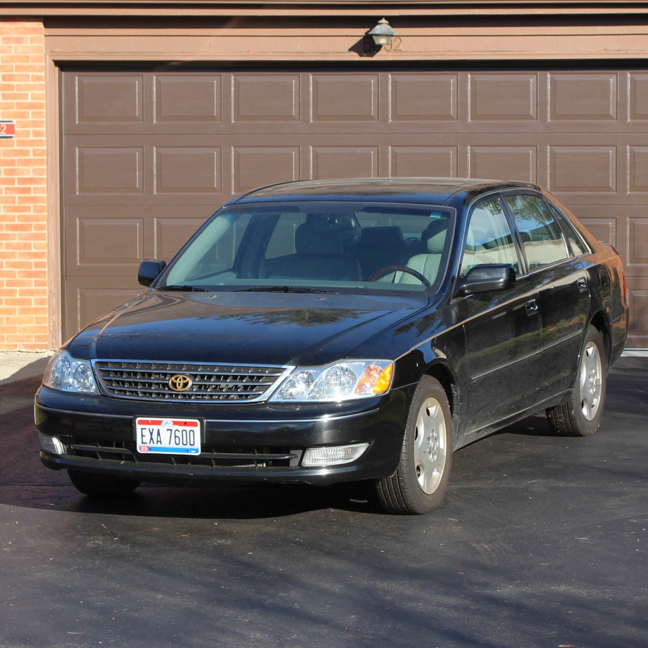 2004 Black Toyota Avalon XLS Sedan