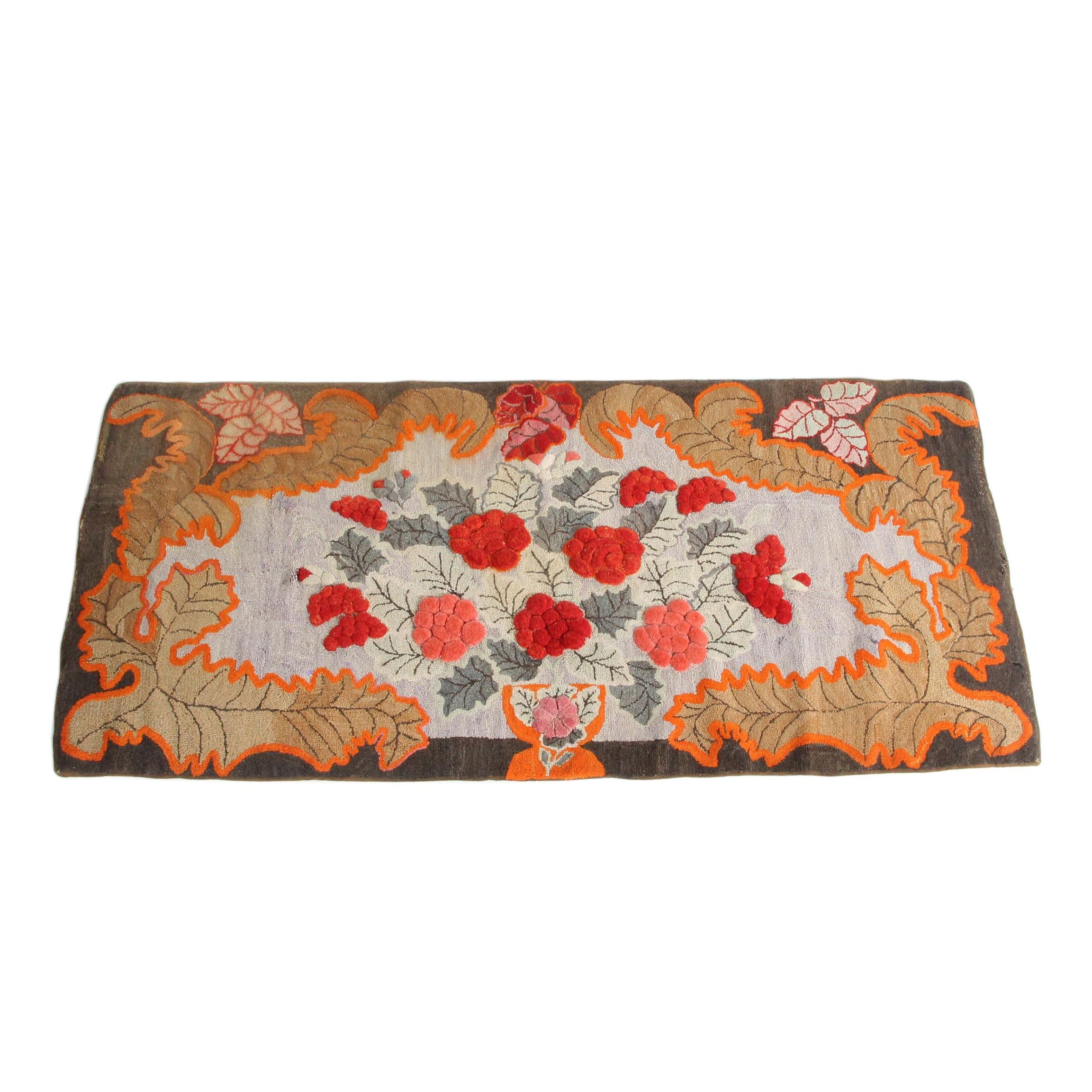 Vintage Hand-Hooked Floral and Foliate Wool Accent Rug
