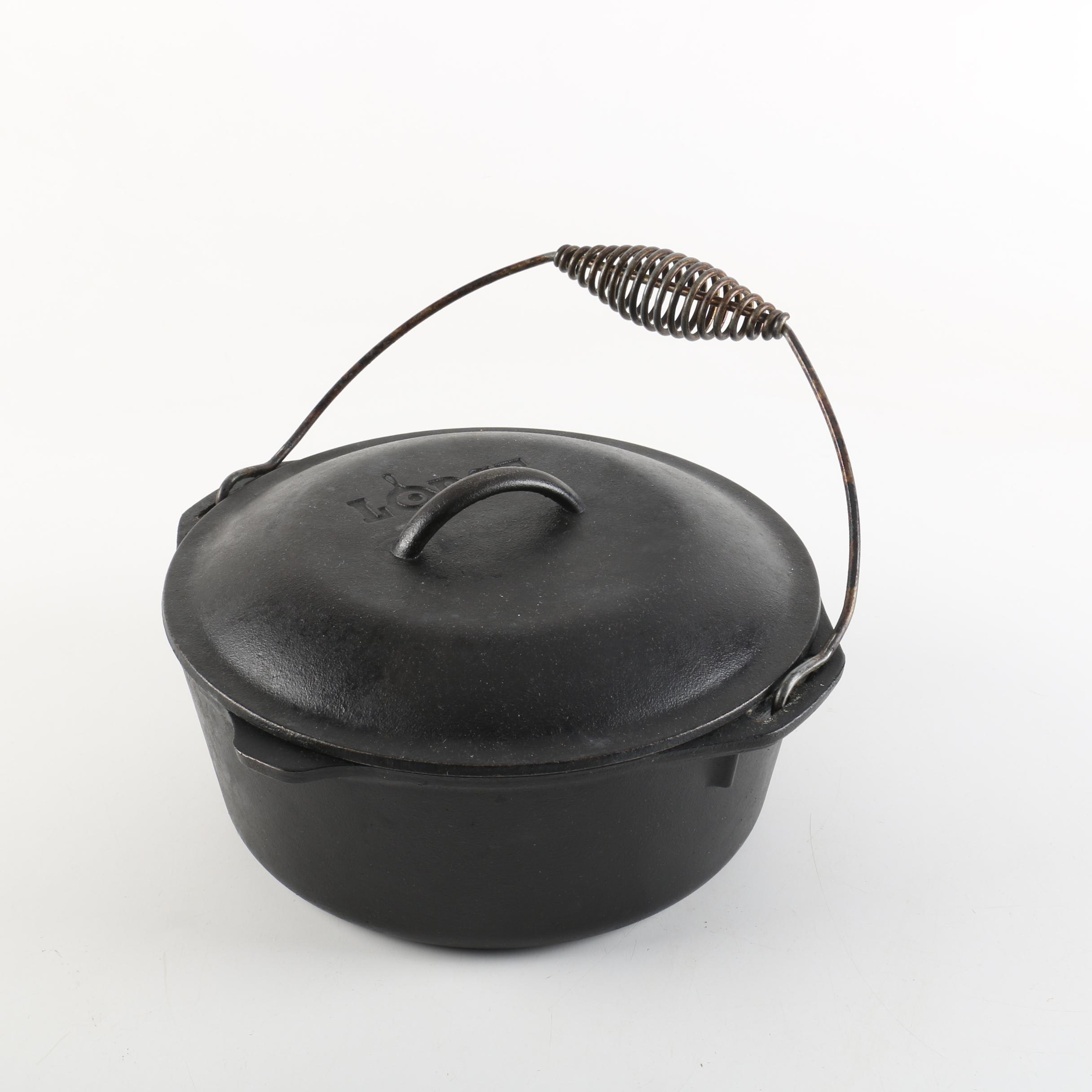 Lodge Cast Iron Dutch Oven with Swing Handle