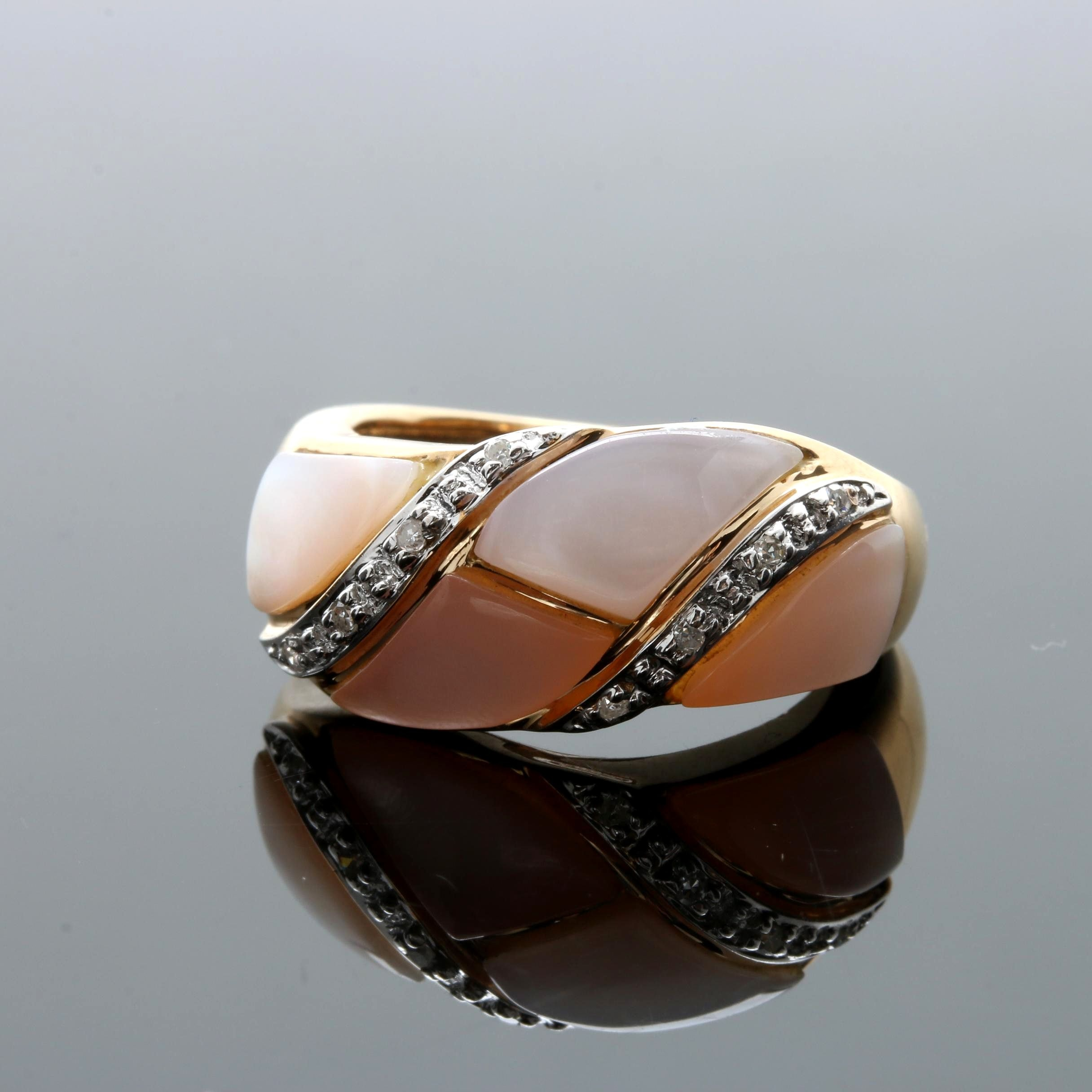 14K Yellow Gold Mother of Pearl and Diamond Ring