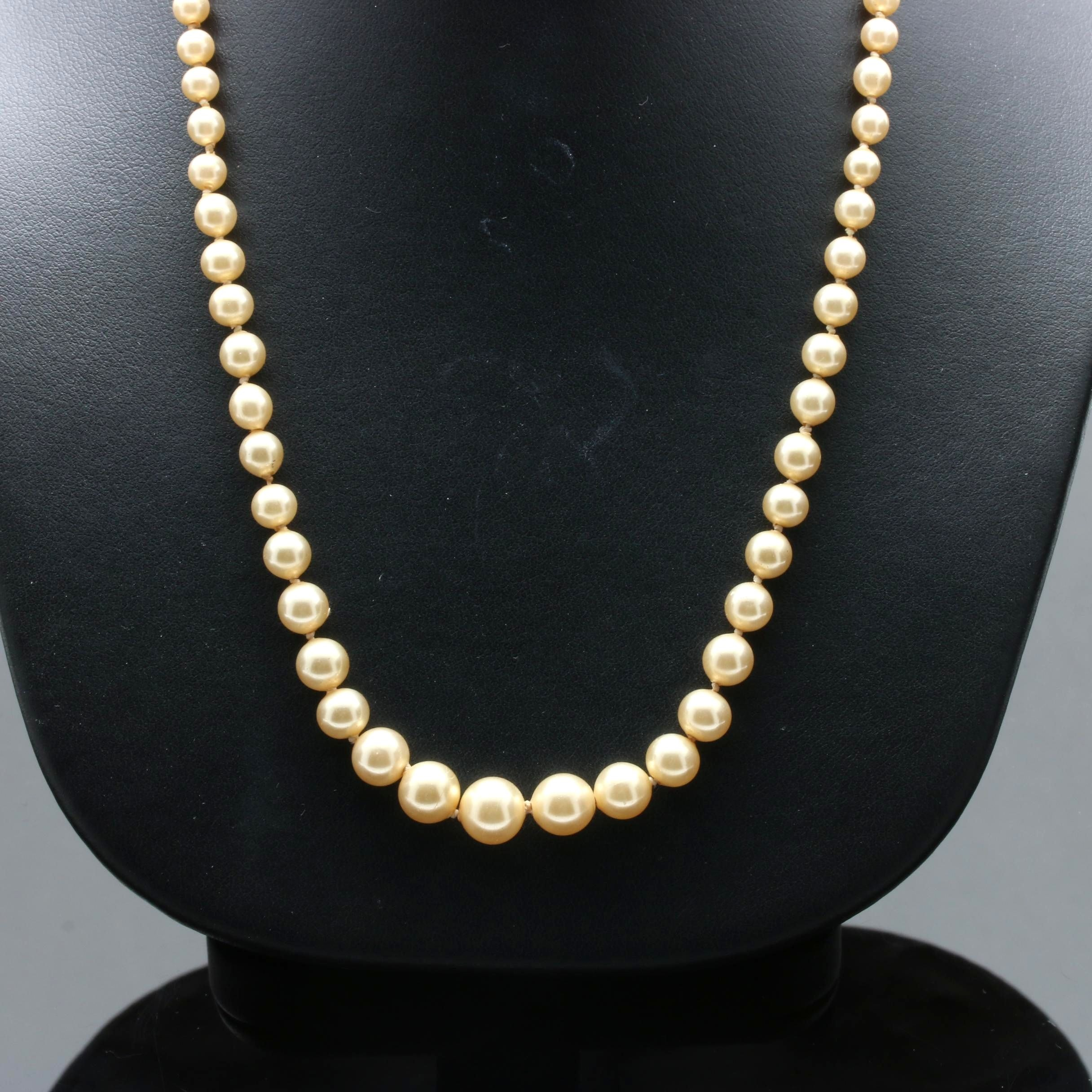 10K White Gold Imitation Pearl Necklace