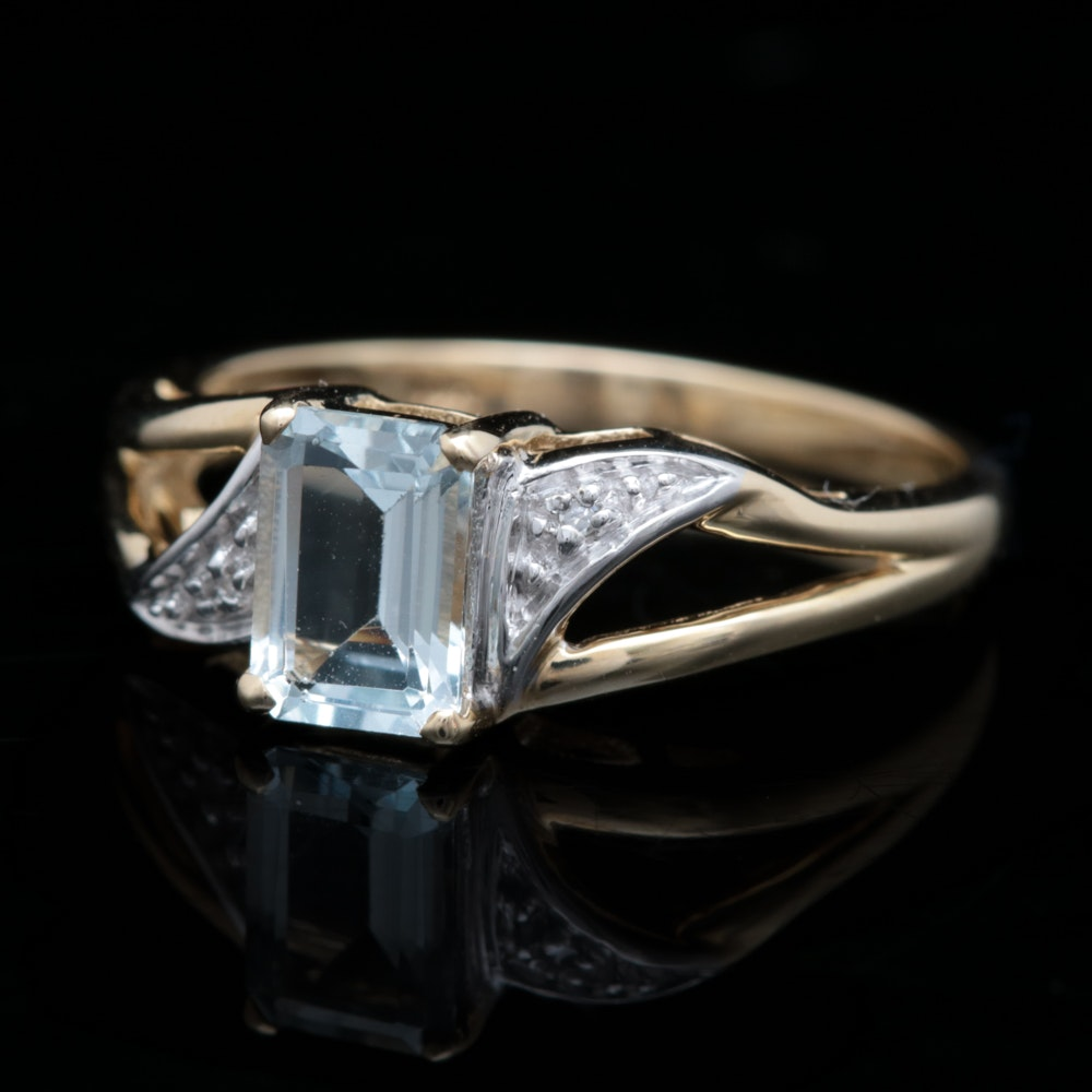 10K Yellow Gold, Aquamarine and Diamond Ring