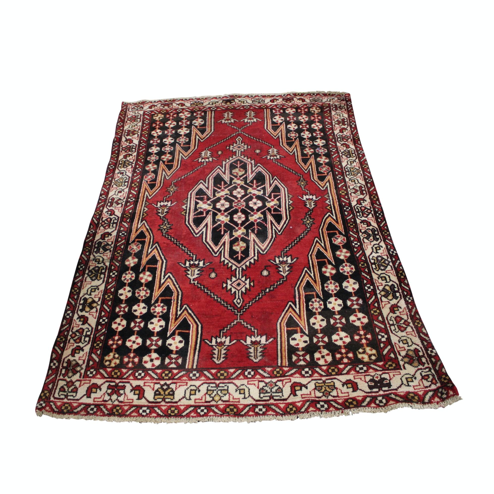 Hand Knotted Persian Zanjan Wool Area Rug