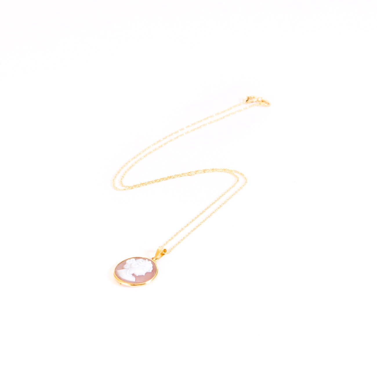 18K Yellow Gold Cameo Necklace