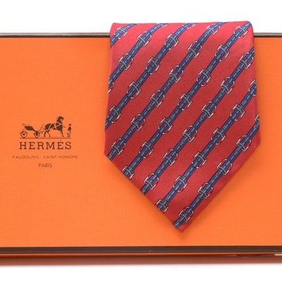 Hermès of Paris Silk Tie in Diagonal Stirrup Pattern #812 MA, Made in France