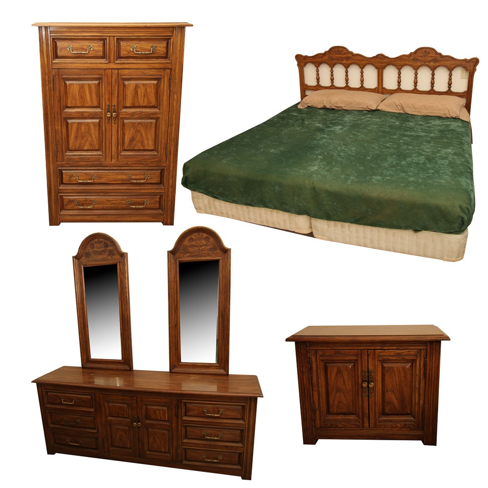 Traditional Style Bedroom Suite with King Size Bed Frame by Thomasville