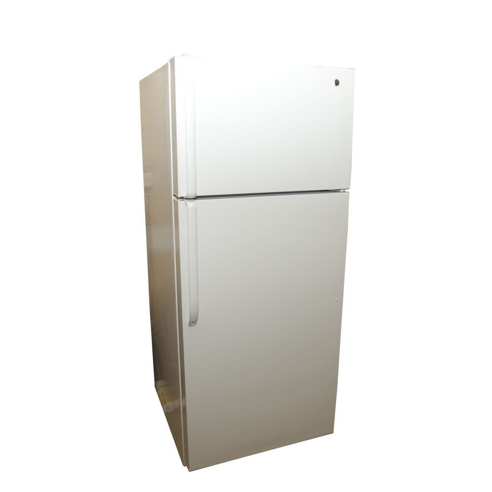 GE Refrigerator with Top Freezer