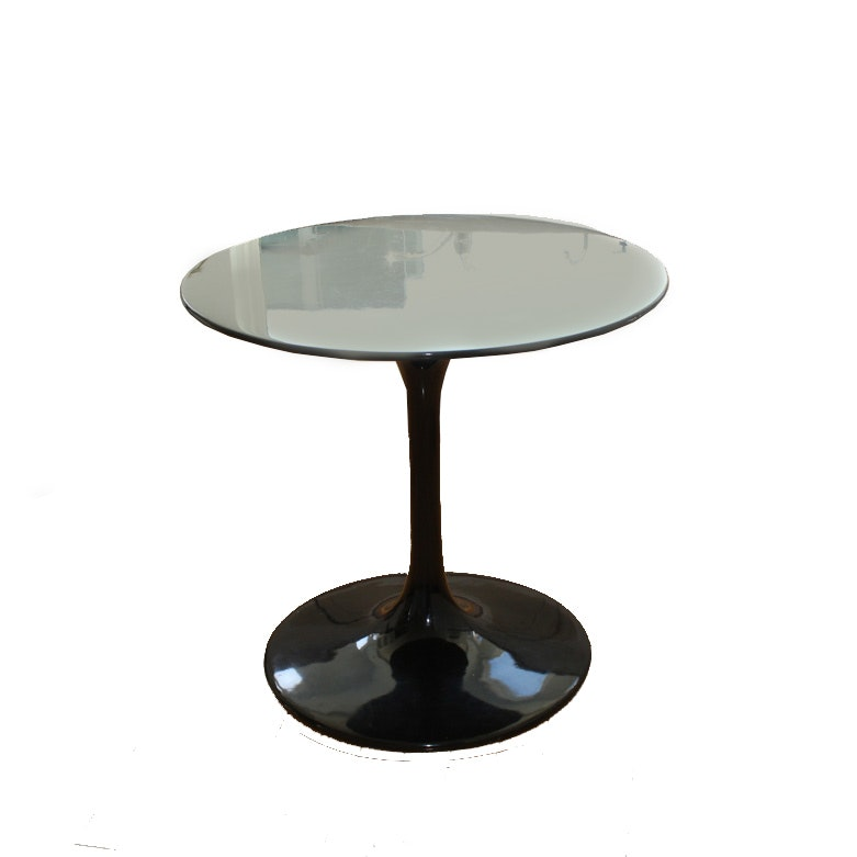 Black Lacquered Tulip Style Table