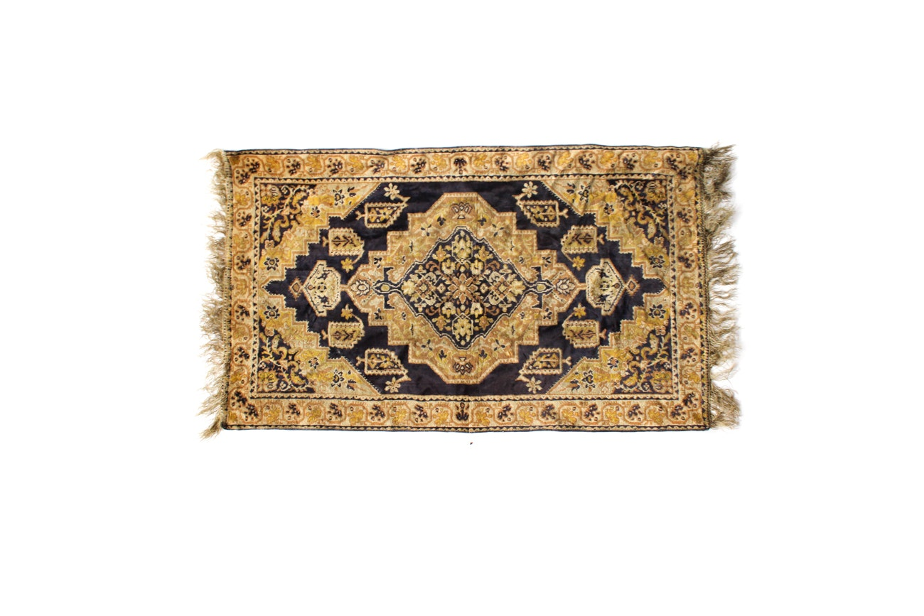 Power Loomed French Accent Rug