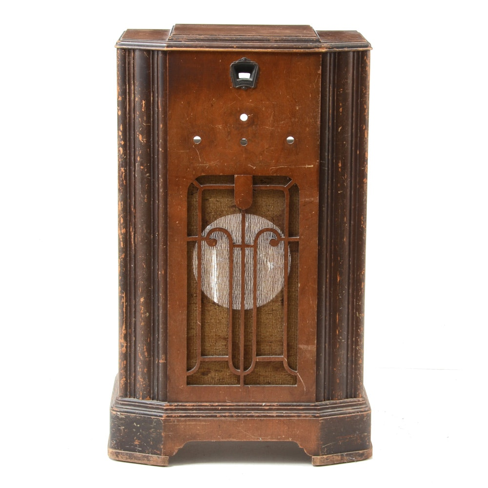 Grunow Model No. 821 Radio Cabinet