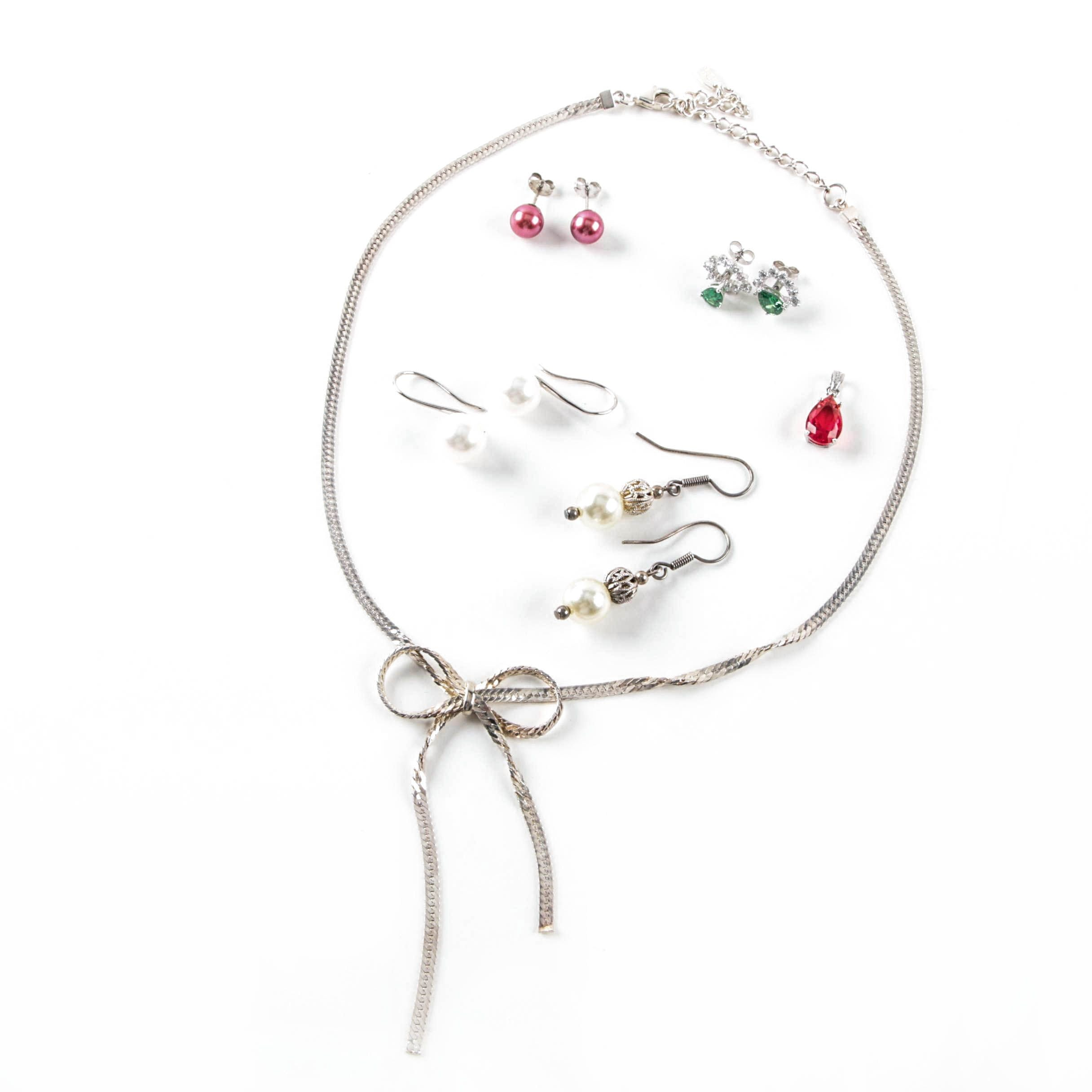 Selection of Sterling Silver Cultured Pearl, Imitation Pearl and Glass Jewelry