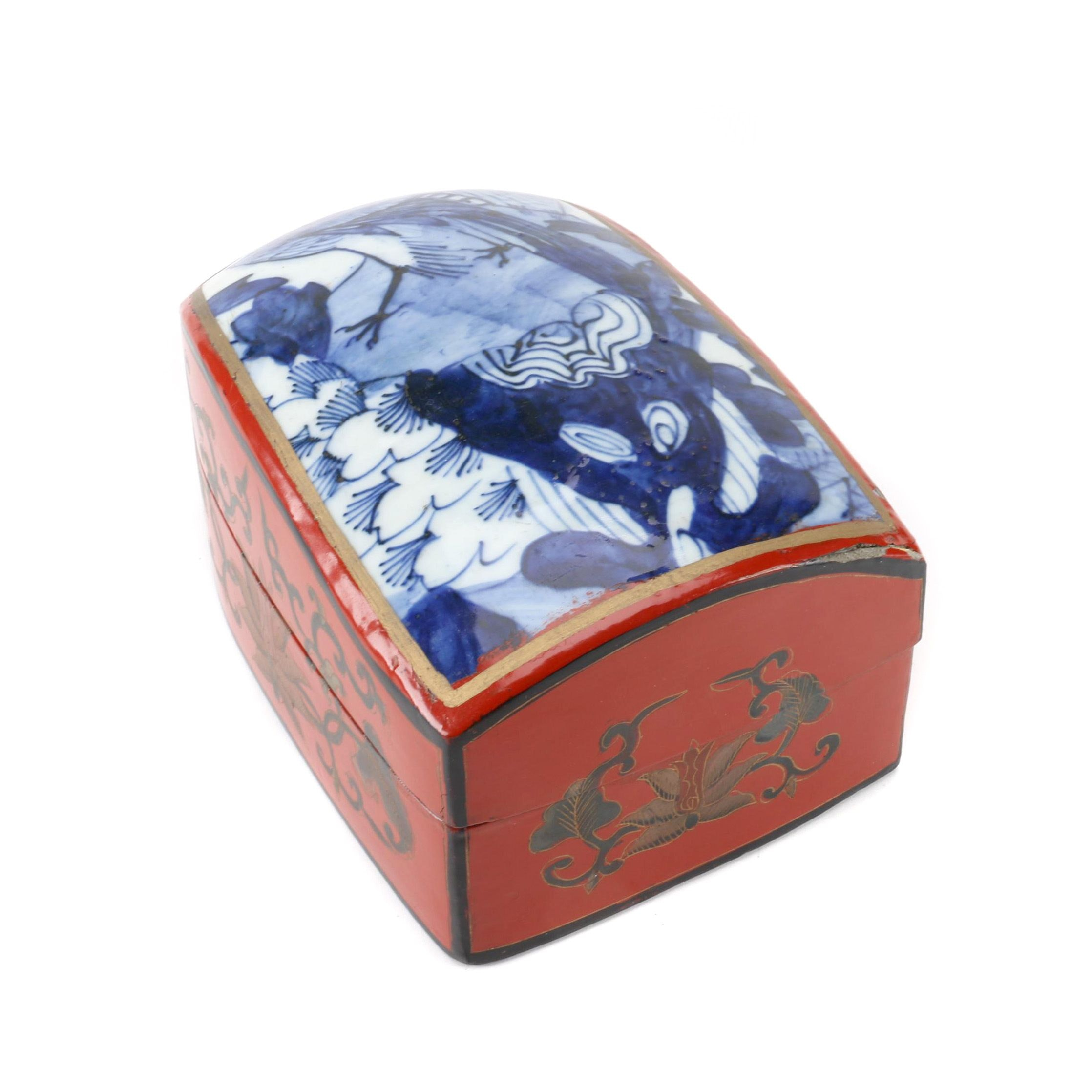 Chinese Hand Painted Blue and White Porcelain Lid Box