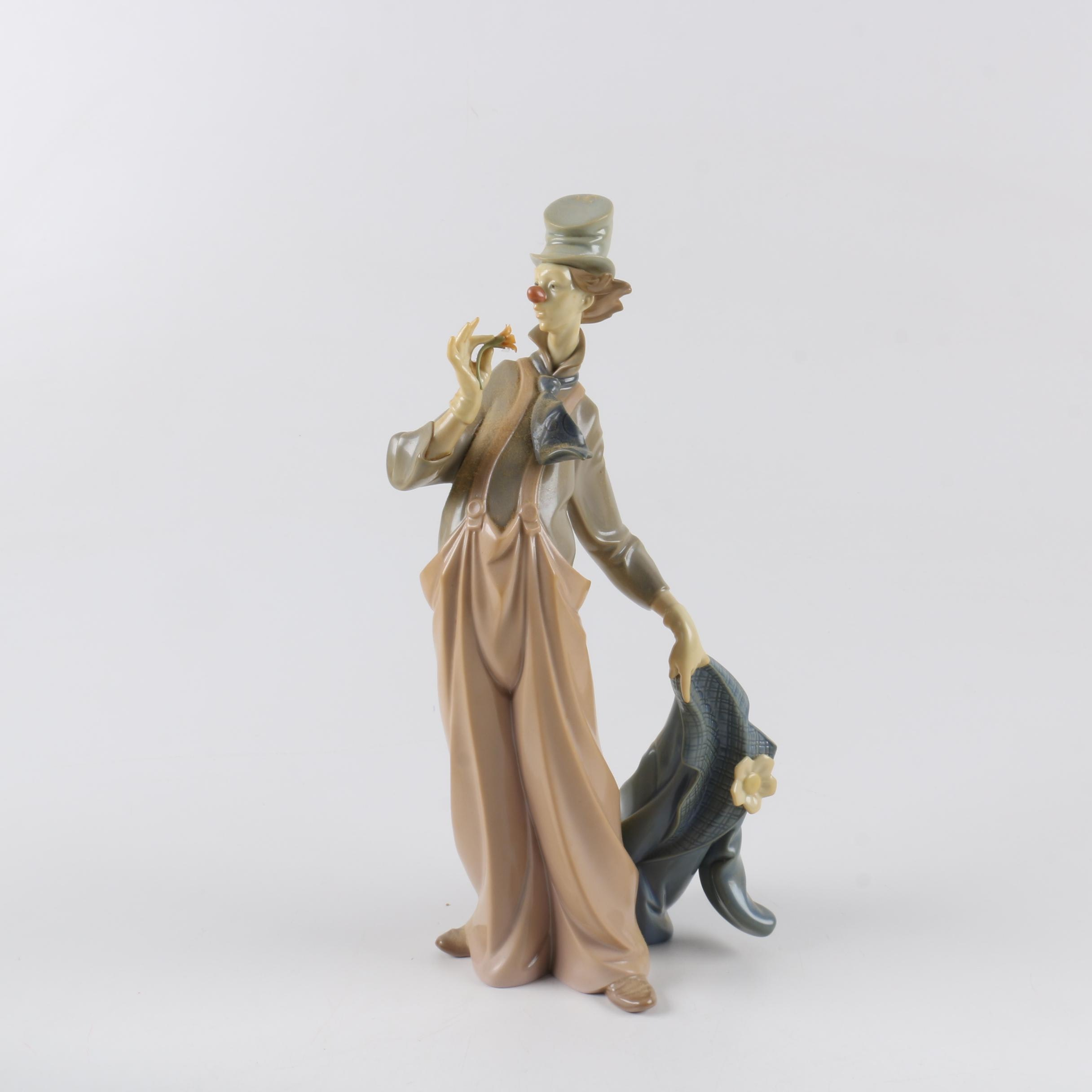 "Retired Lladró ""A Mile of Style"" #6507 Figurine"