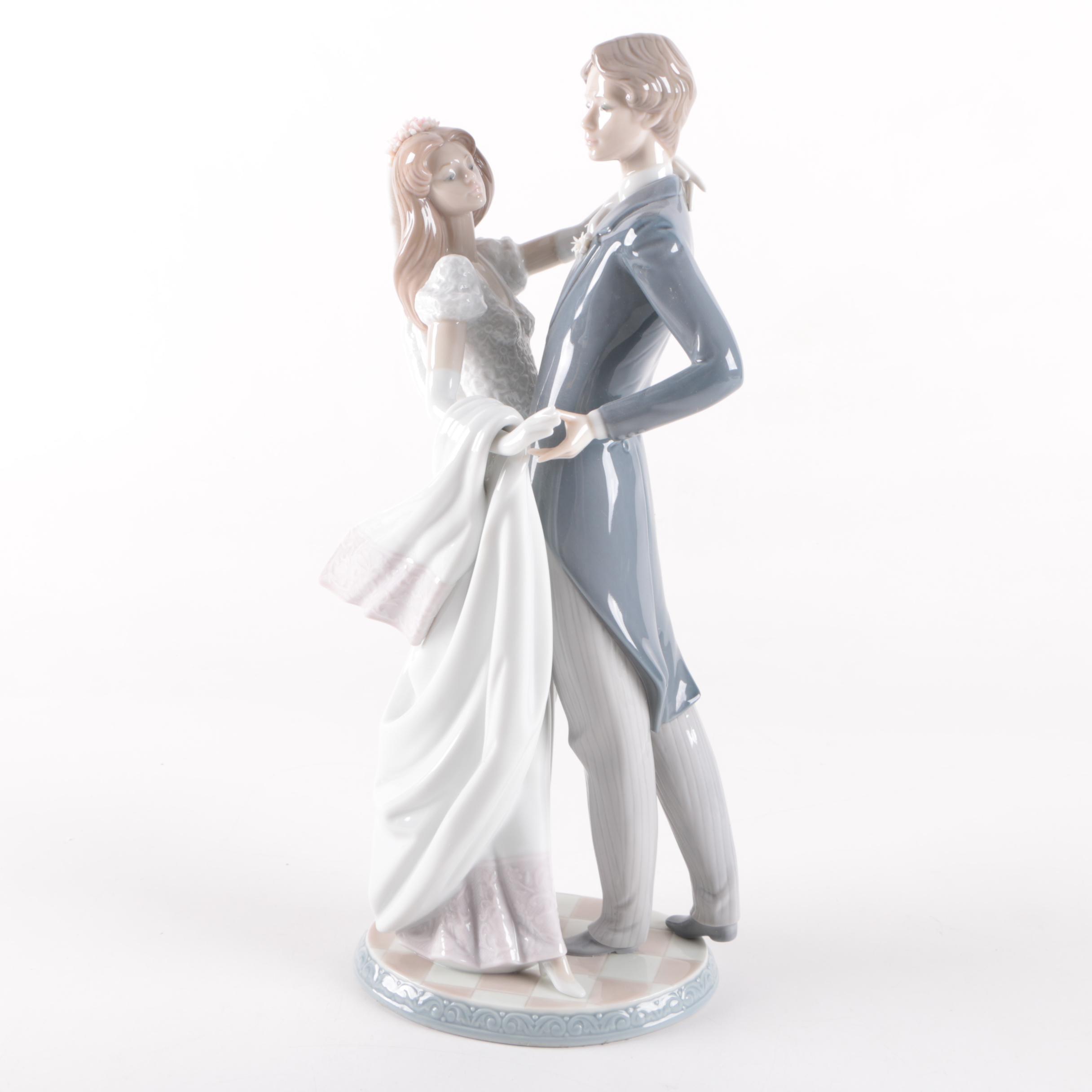 "Lladró ""I Love You Truly"" #1528 Figurine"