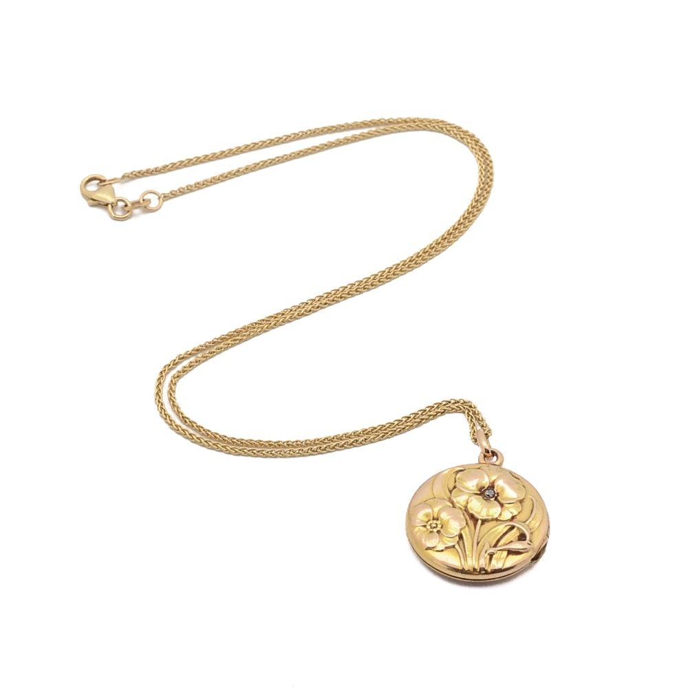 Vintage 10K Yellow Gold Floral Repouseé Locket and 14K Gold Chain