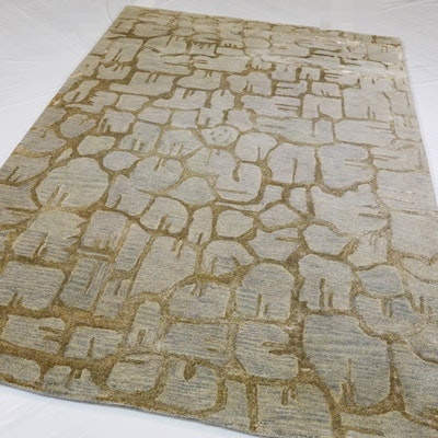Tufted Modern Wool and Viscose Area Rug