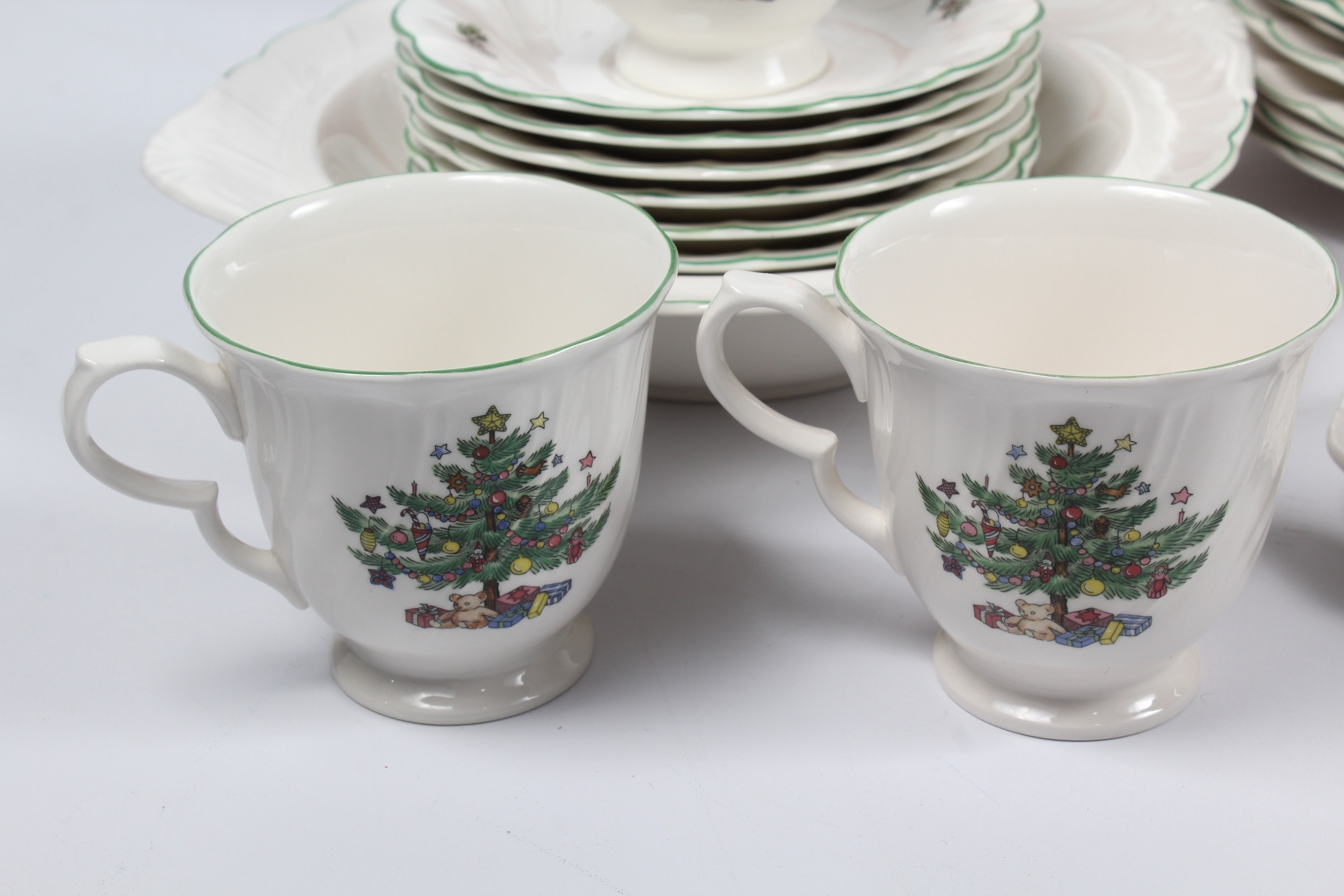 Christmas Tableware Featuring Nikko