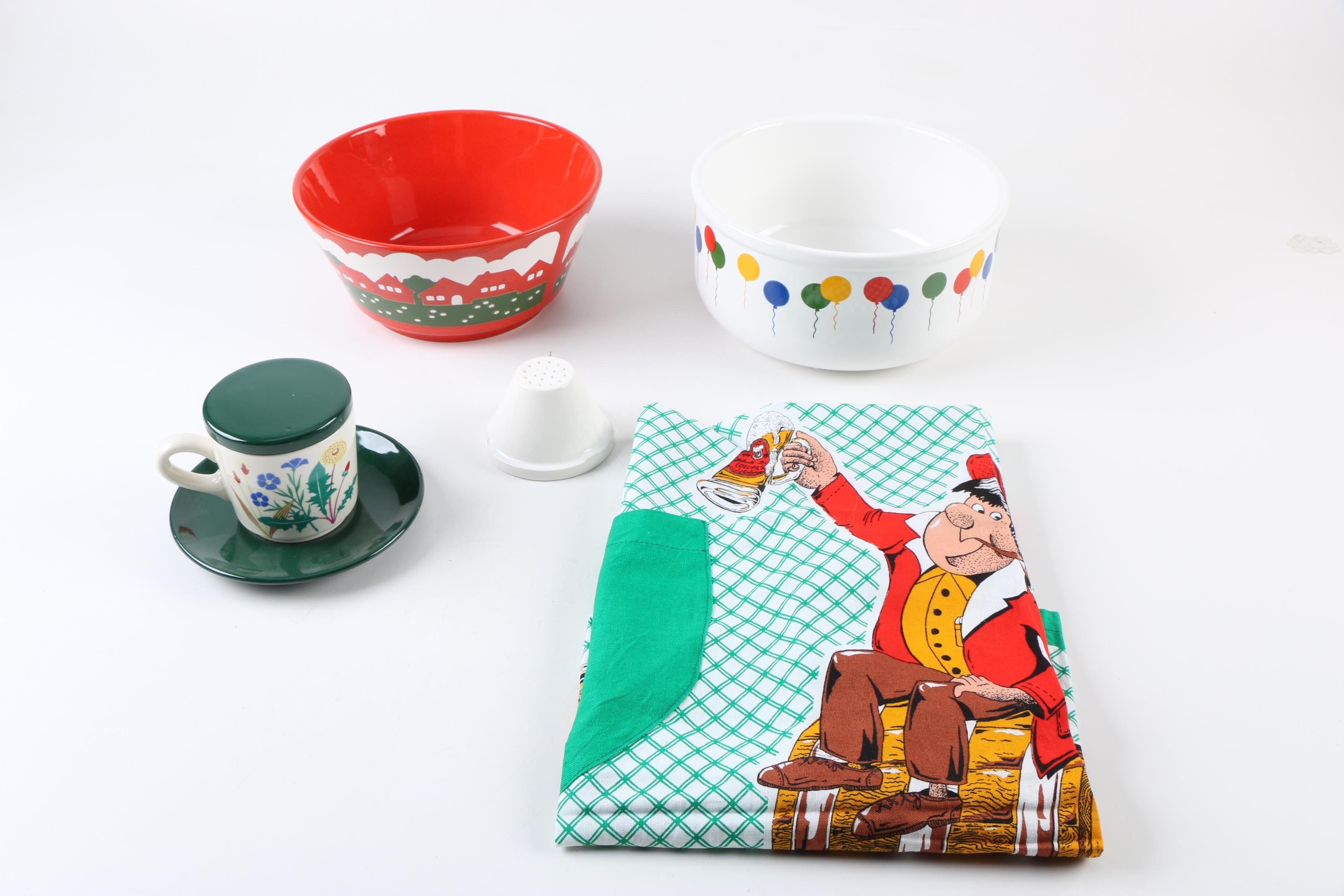 Waechtersbach Germany Holiday Tableware and Apron