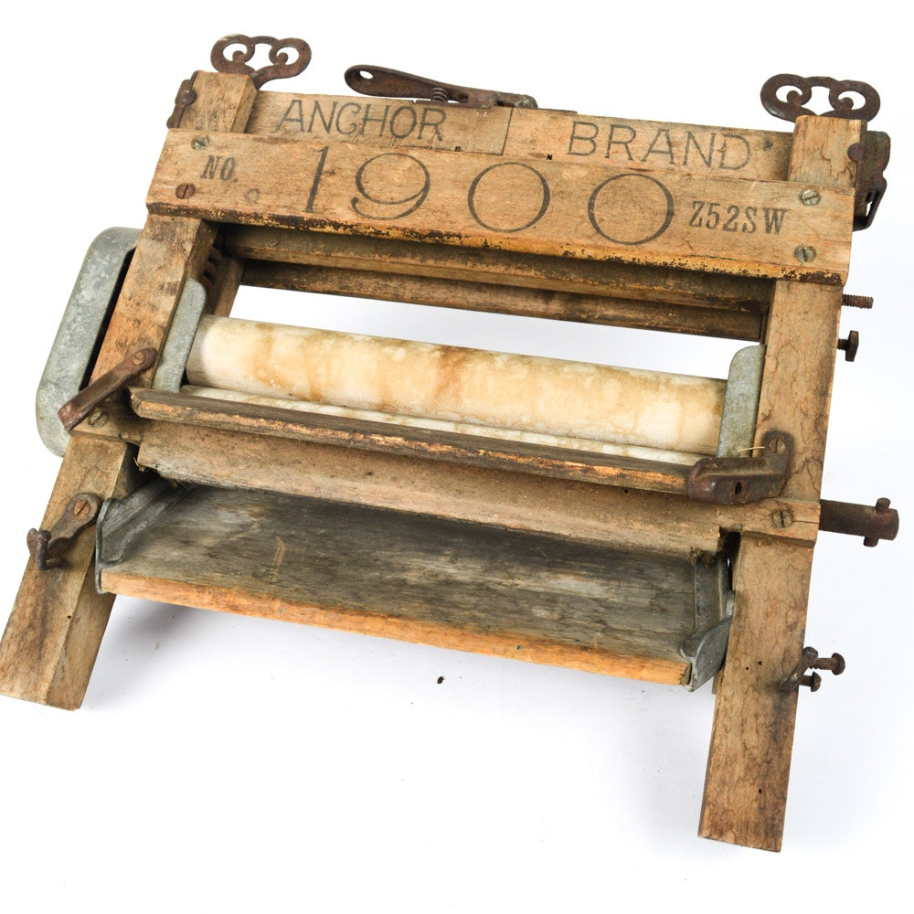 Antique Anchor Brand Wash Roller