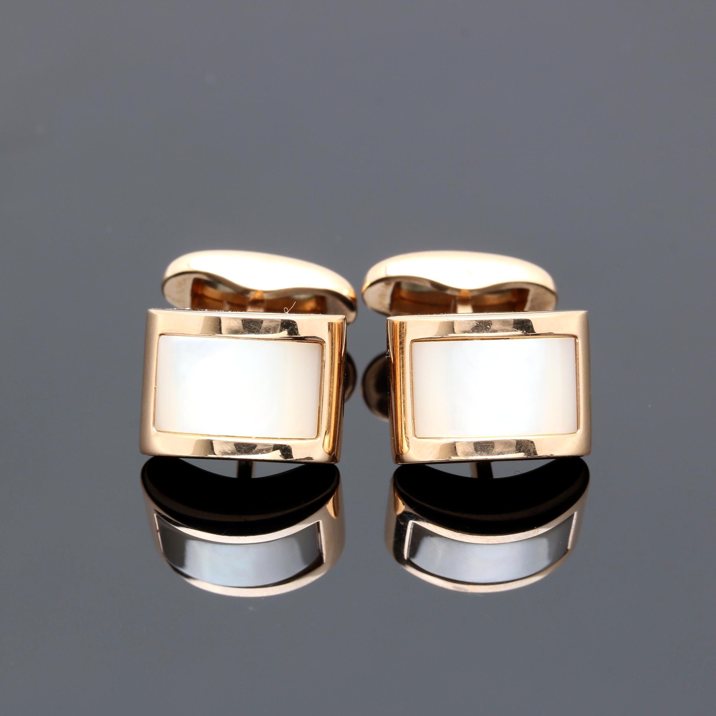 18K Yellow Gold Mother of Pearl Cufflinks