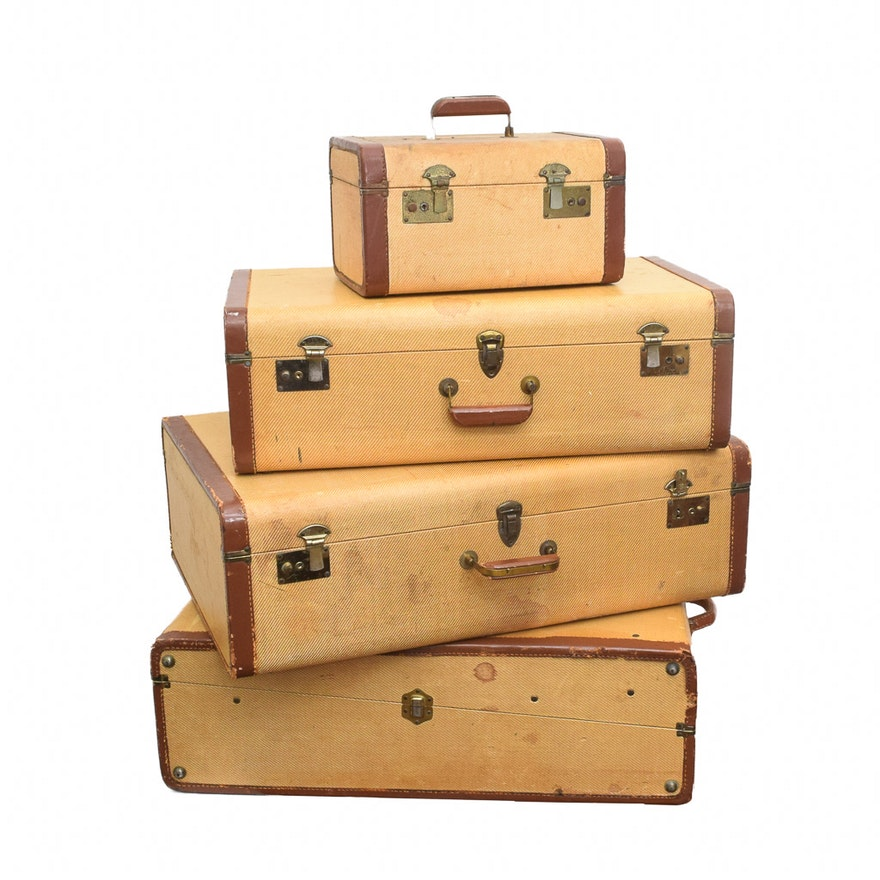 0332a6cb059e Vintage Four-Piece Luggage Set   EBTH