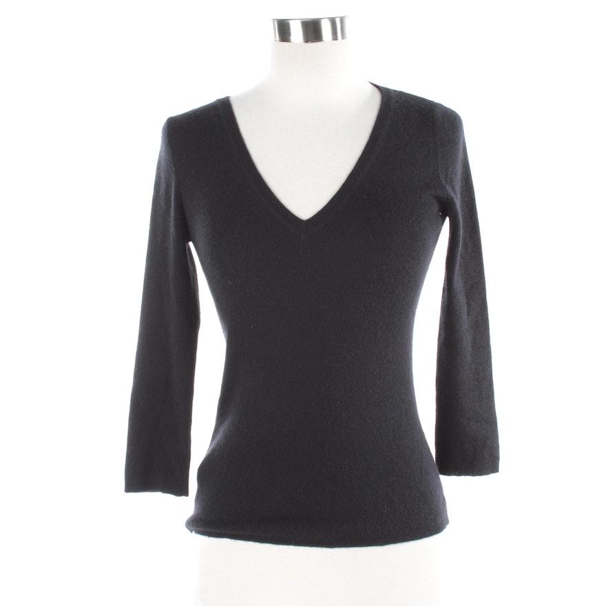 93861654c459 Women's Prada Black Cashmere and Silk Blend V-Neck Sweater : EBTH