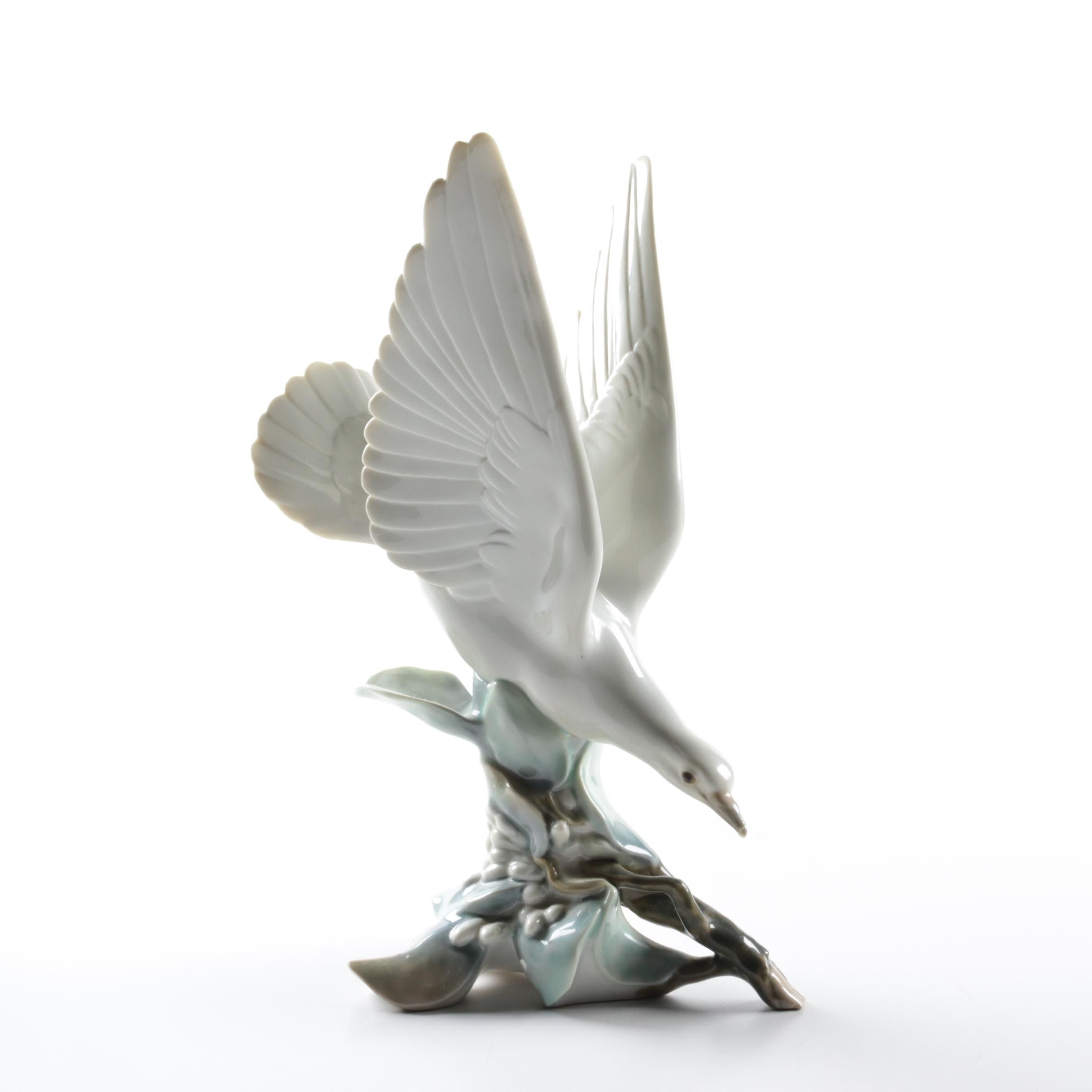 "Lladro ""Turtle Dove"" Figurine"