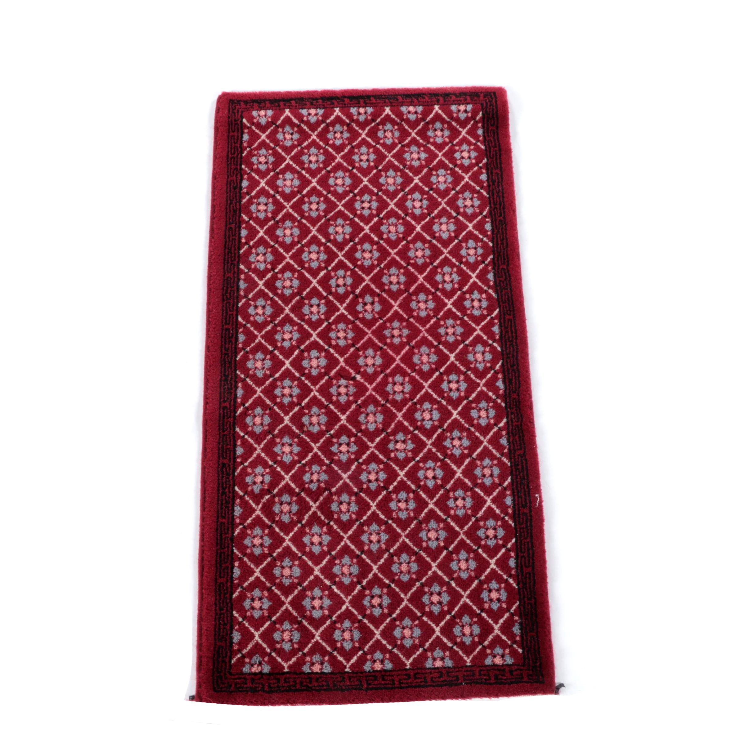 Power-Loomed Belgian Wool Accent Rug by Minuteman