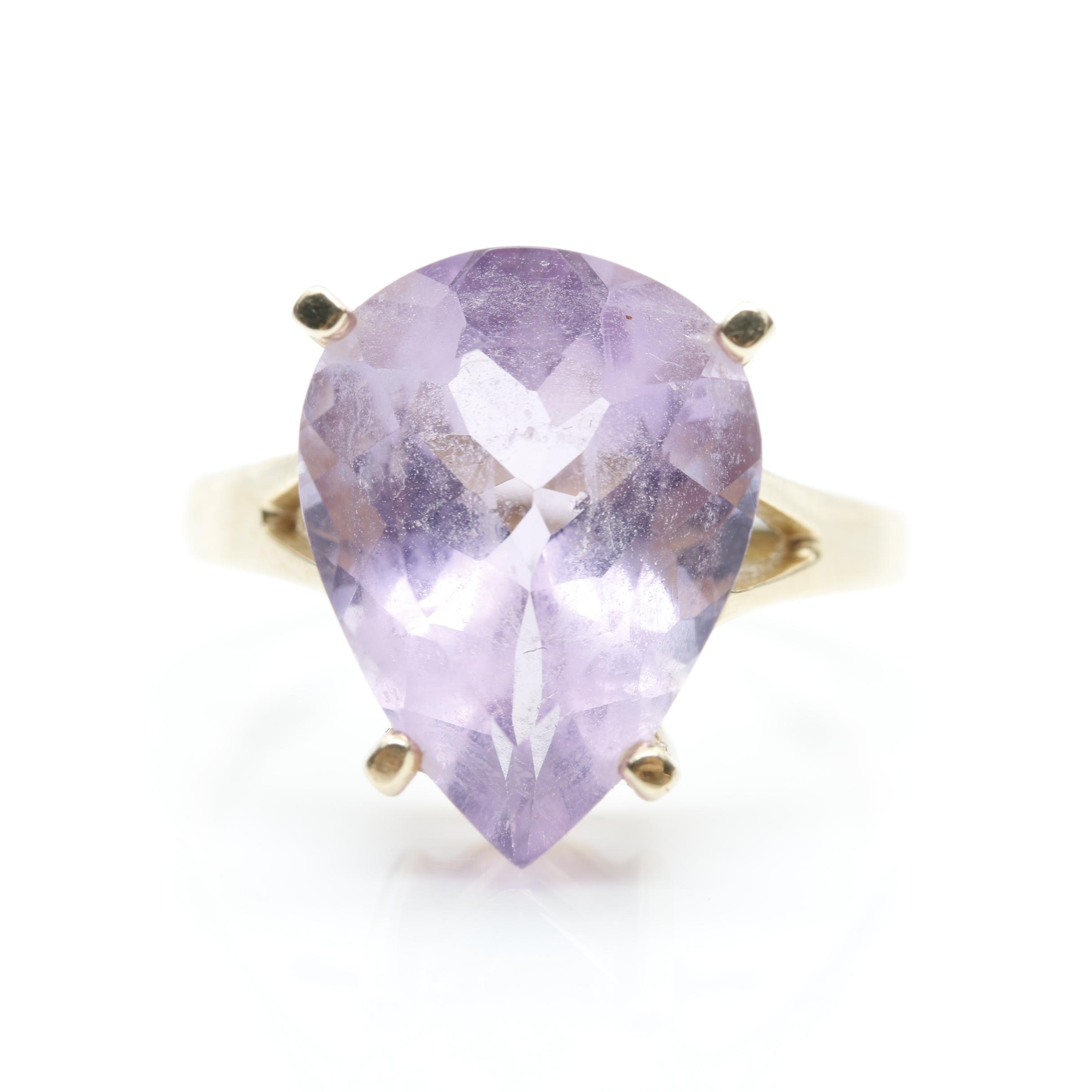 14K Yellow Gold 11.00 CT Amethyst Solitaire Ring