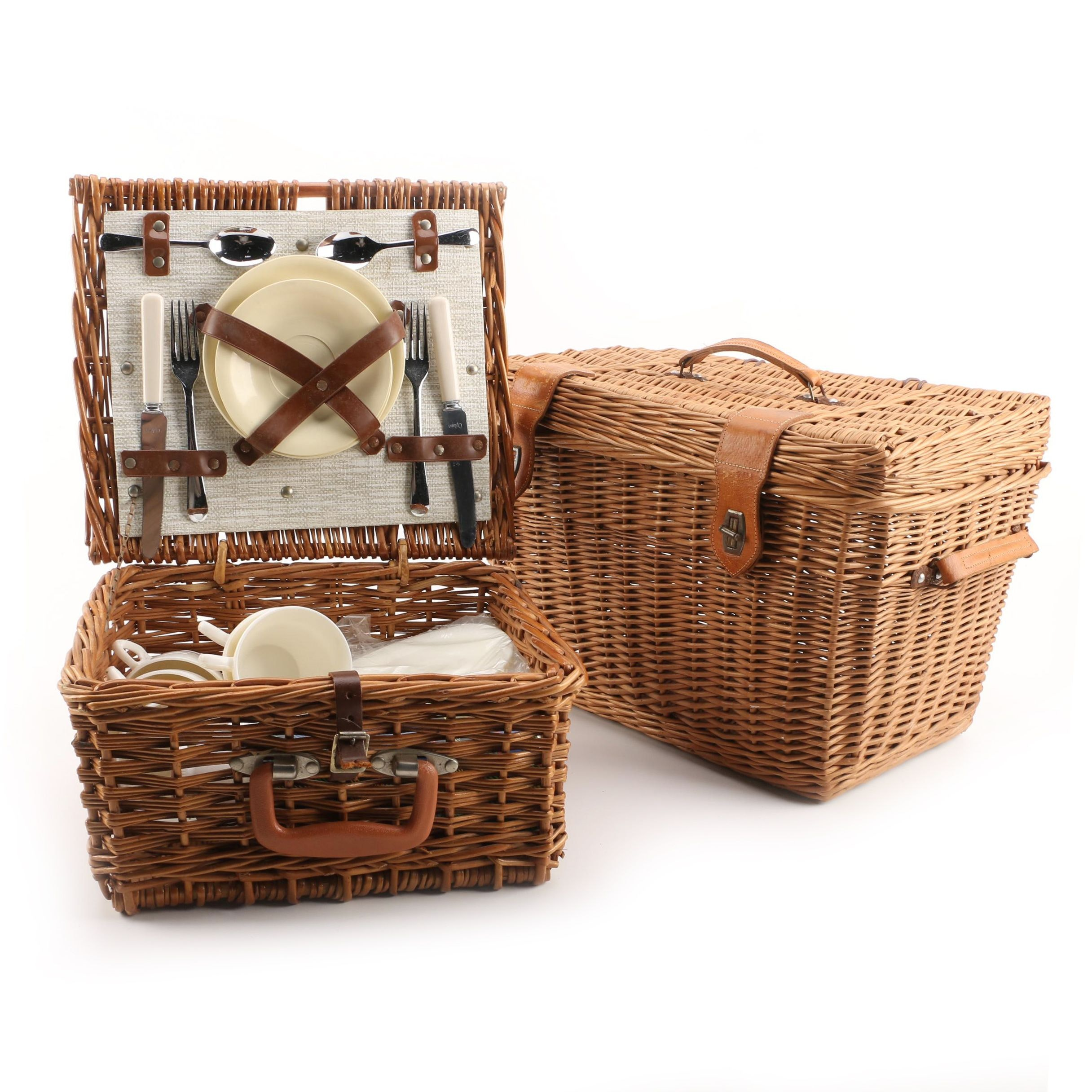 Vintage Woven Picnic Baskets and Picnic Serveware