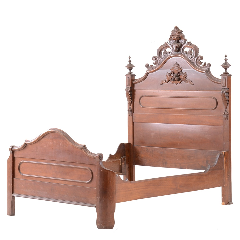 Antique Victorian Full-Size Walnut Bed