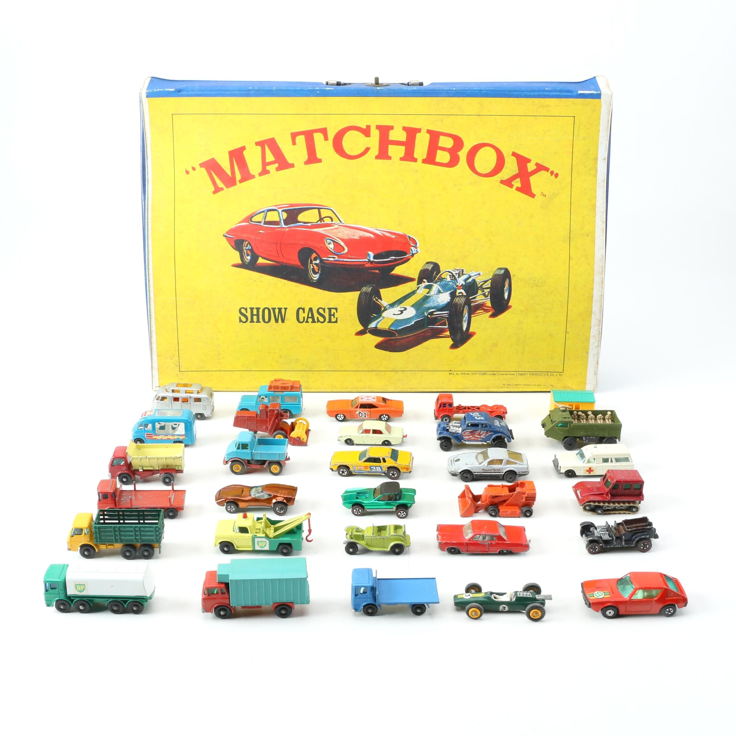 """Vintage Matchbox Cars With Carrying """"Show Case"""""""