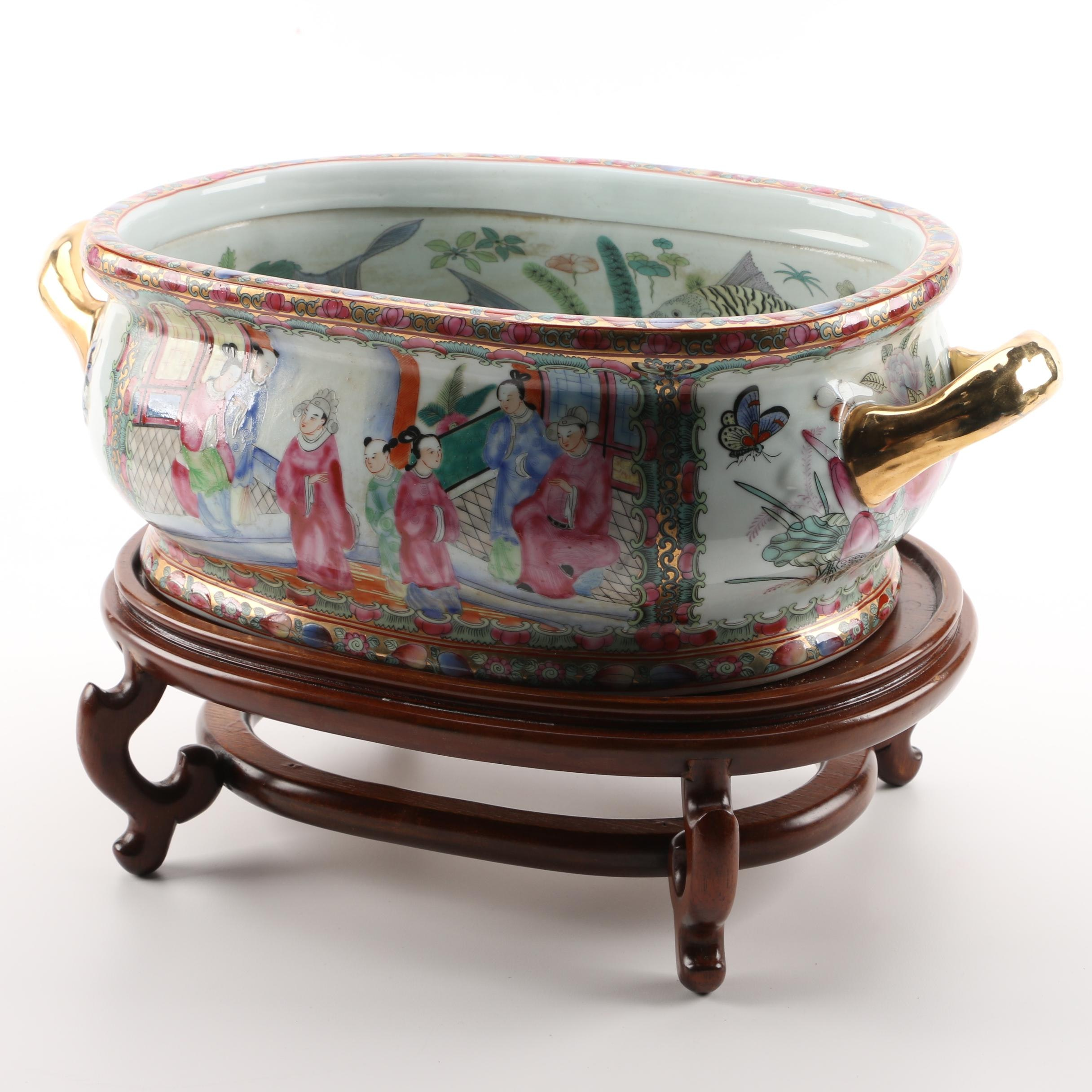 Chinese Rose Medallion Footbath with Lacquered Wood Stand